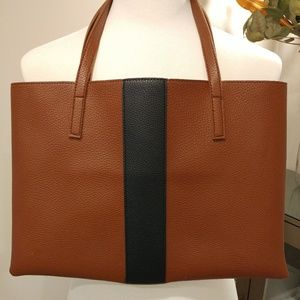 [New] Vince Camuto Tote